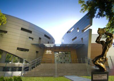 """Частно езиково училище """"Дорис-Тенеди"""" – """"Сграда на годината 2010"""" в категория """"Сгради наука, образование и спорт"""""""