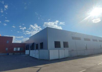 Склад и вътрешно преустройство на сграда с офиси,  складове, чисто производство и  търговия